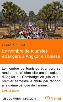 Economie le nombre de touristes etrangers a angkor en baisse page001