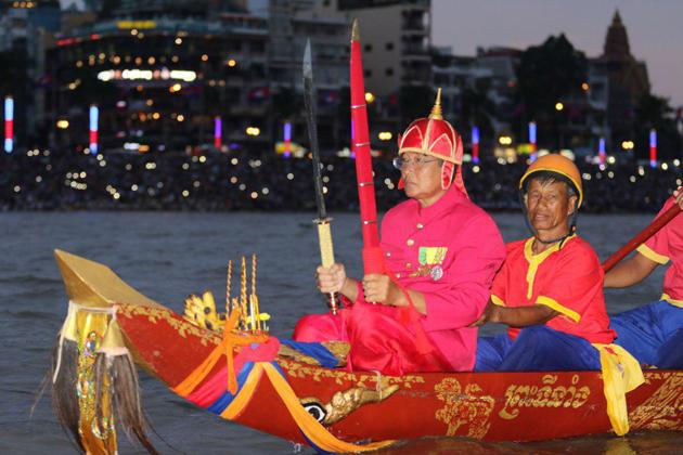 Fete des eaux phnom penh ceremonie