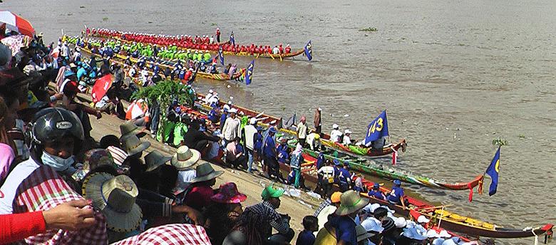 Fin fete eaux phnom penh cambodge 2016